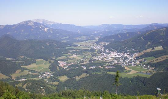 Blick Richtung Gemeindealpe, Ötscher, Mariazell und Bürgeralpe